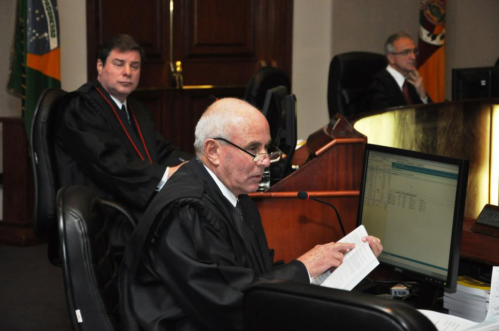 Aristides Pedroso de Albuquerque Neto foi o relator