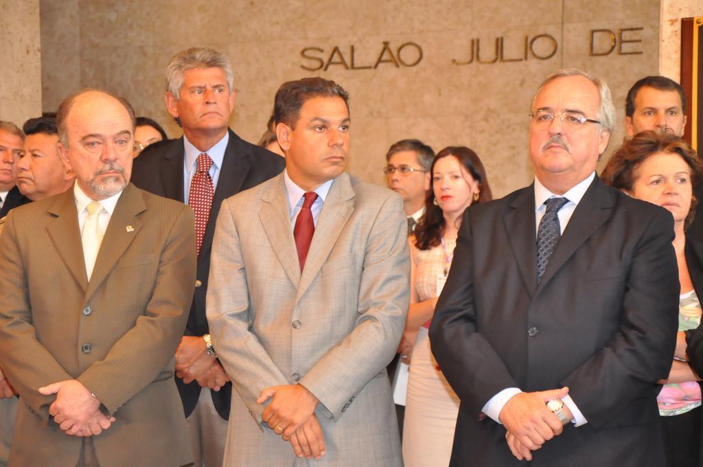 Dornelles (c) com o Secretário Airton Michels e o Presidente da Assembleia