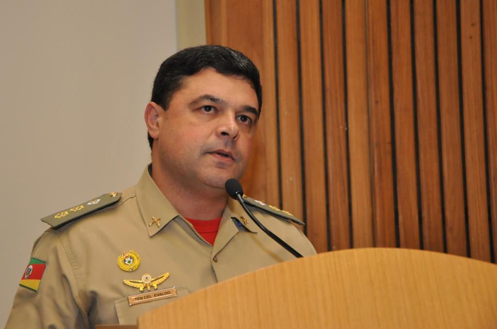 Pelo Corpo de Bombeiros falou o Tenente Coronel Evaldo de Oliveira Júnior